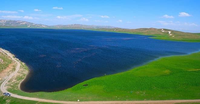 Urartular döneminden kalan Keşiş Gölü hayran bırakıyor 4
