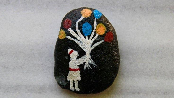Munzur'un çakıl taşları renkleniyor 5