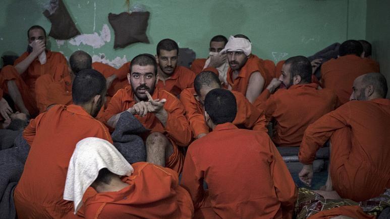 5 bin IŞİD militanının tutulduğu hapishaneden fotoğraflar 1