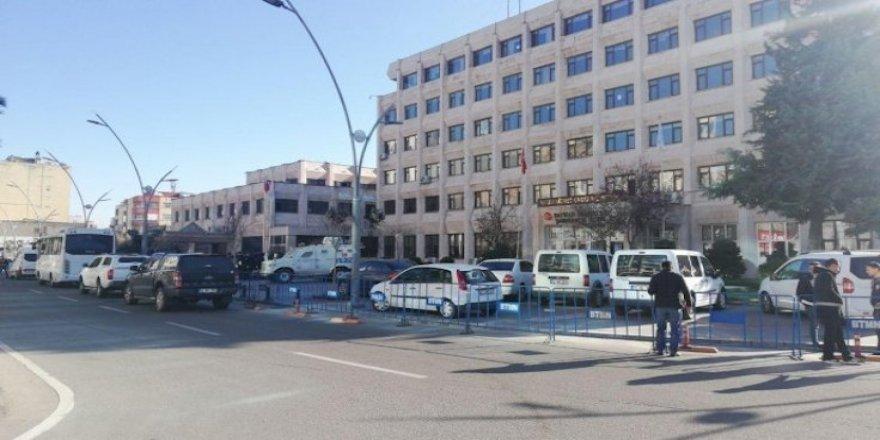 HDP'li 5 belediyeye kayyım atandı