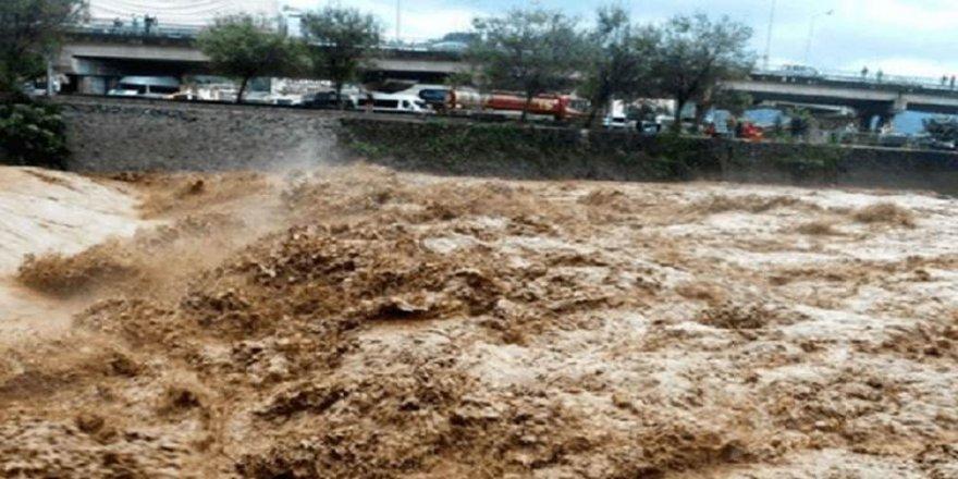 İran ve Rojhıla'ta sel: 3 ölü, 3 yaralı