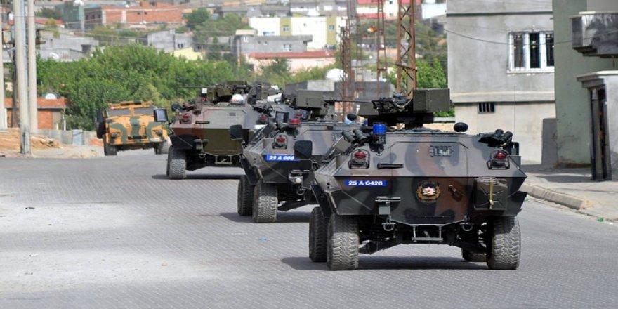 Bitlis'te sokağa çıkma yasağı ve çatışma