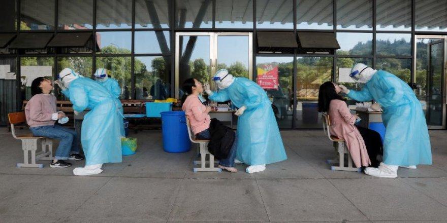Çinli doktor: Virüs artık Wuhan'daki gibi değil, yeni vakalar farklı