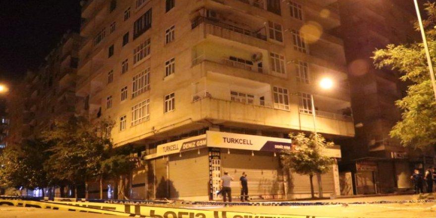 Diyarbakır'da çökme tehlikesi nedeniyle üç bina boşaltıldı