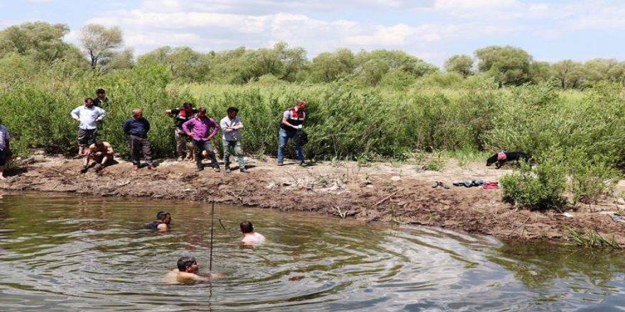 Ağrı'da dereye giren 14 yaşındaki çocuk boğuldu