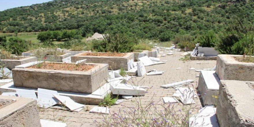 'Lice'de 250 mezar tahrip edildi'
