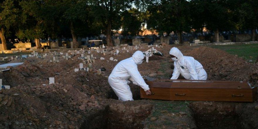 Meksika'da bir günde 1092 ölü