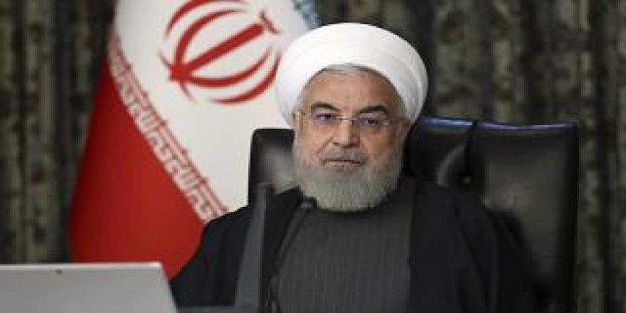 Ruhani: İran, ABD yaptırımları ve Covid-19 salgını nedeniyle en zorlu yılını geçiriyor