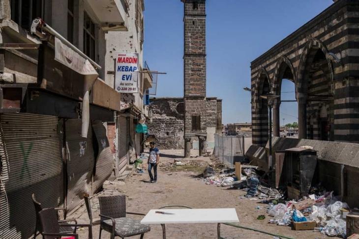 Af Örgütü Raporu: Sur'da 40 bin kişinin hayatı altüst oldu