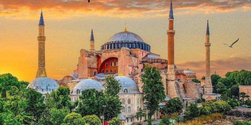 Taner Akçam: Türk'ün Uygarlıkla Sınavı