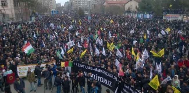 16. yılında15 Şubat protestoları
