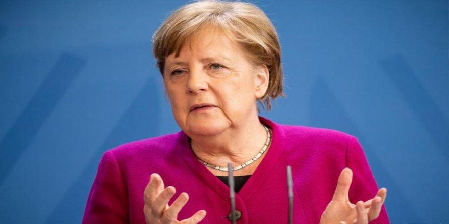 Merkel: AB ülkeleri Doğu Akdeniz konusunda Yunanistan'ı desteklemekle yükümlü