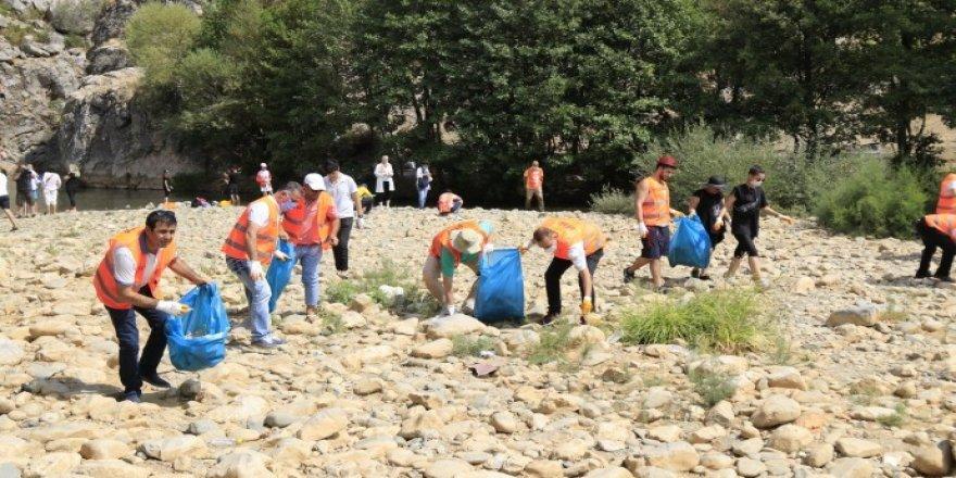 Birkleyn Mağaraları'ndaki çöpleri topladılar
