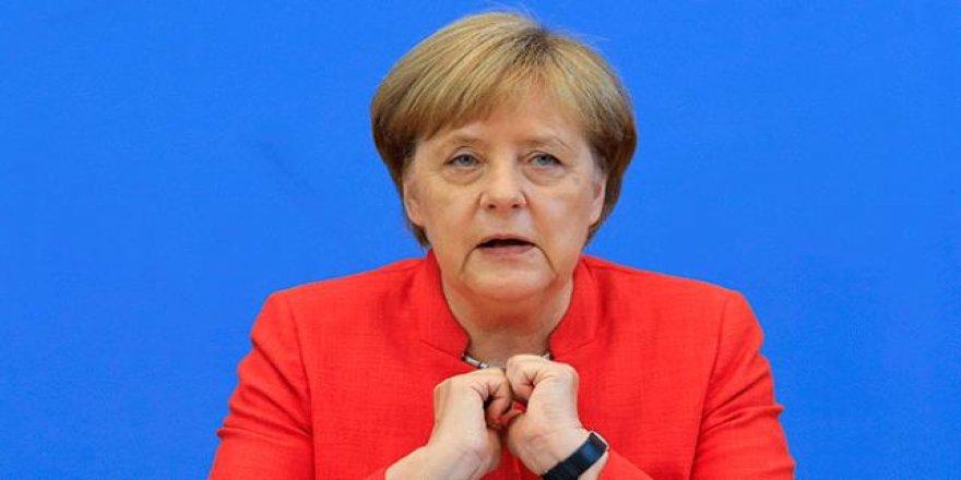 Merkel Aralık ayında siyasete veda ediyor