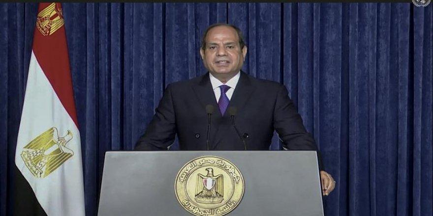 Sisi'den Libya'ya ilişkin 'harekete geçeriz' açıklaması