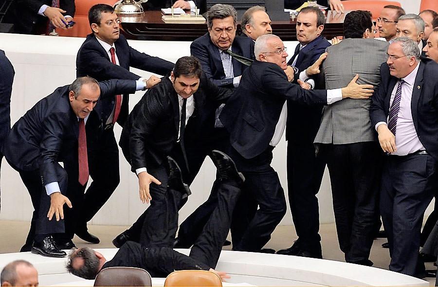 Türkiye: Anayasa değişikliği teklifi 339 oyla TBMM'ten geçti