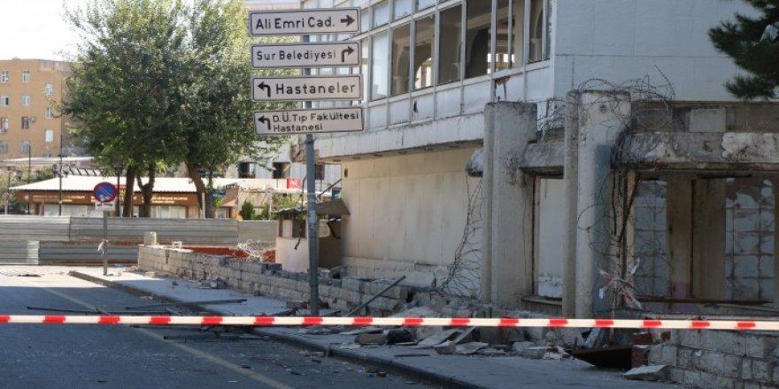 Diyarbakır'da Ordu Evi'nin yıkımına başlandı