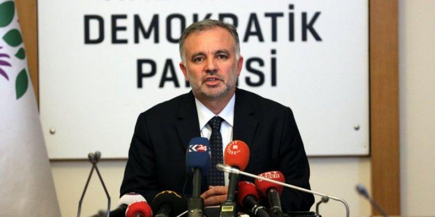 Ayhan Bilgen cezaevinden BBC Türkçe'ye konuştu: HDP'nin seçime girmesini engelleyecek yasal düzenleme için zemin oluşturuluyor
