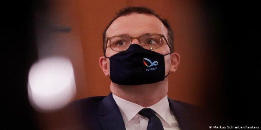 Almanya Sağlık Bakanı'nın korona testi pozitif çıktı