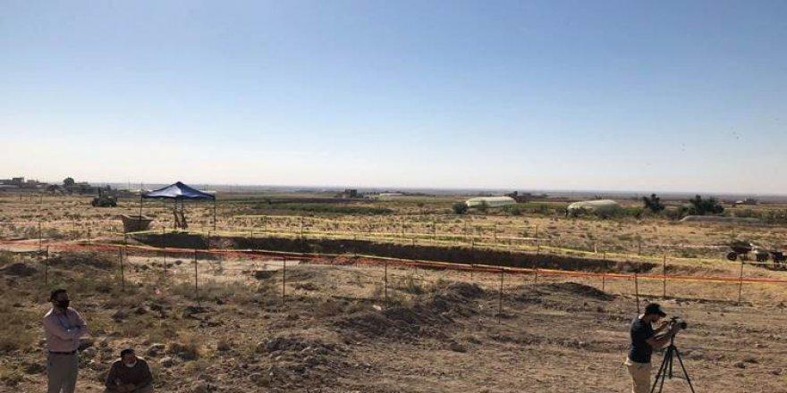 Şengal'de Ezidi kadınların gömülü olduğu toplu mezar açılıyor