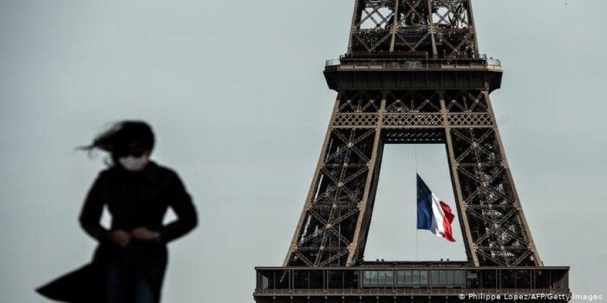 Fransa'da Covid-19 nedeniyle sokağa çıkma yasağı ilan edildi