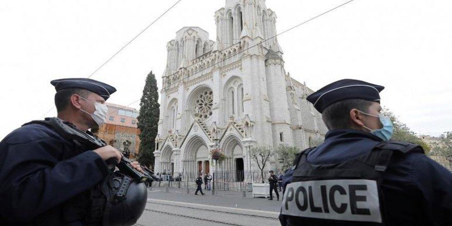 Fransa'daki saldırının zanlısınının Tunus asıllı olduğubelirlendi