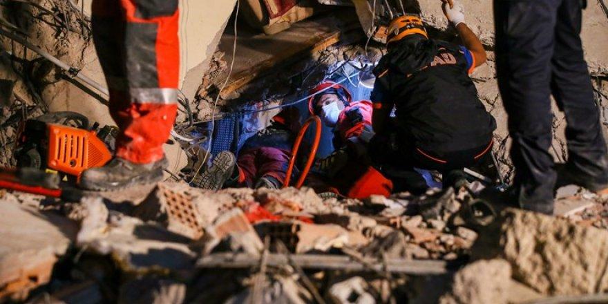 İzmir depremi: 25 ölü, 804 yaralı