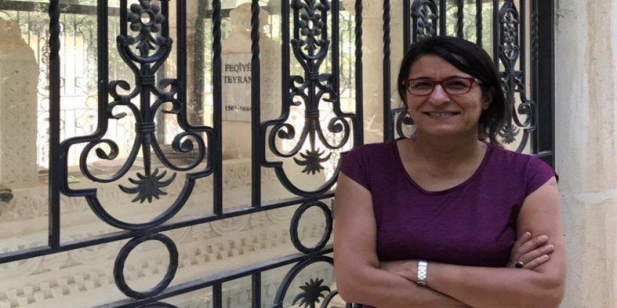 Kürt yazar Fahriye Adsay gözaltına alındı