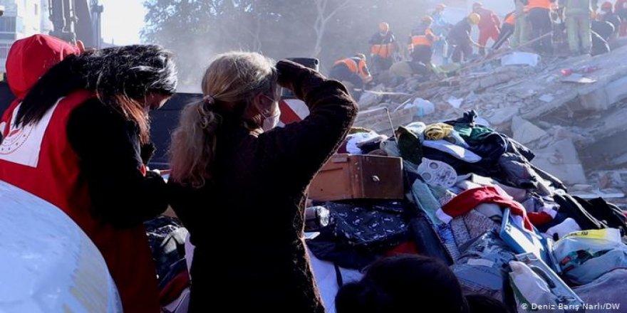 İzmir'de can kaybı 110'a yükseldi