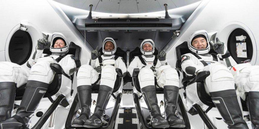 4 Astronot SpaceX'in Kapsülüyle ABD'den Uzaya Gönderildi