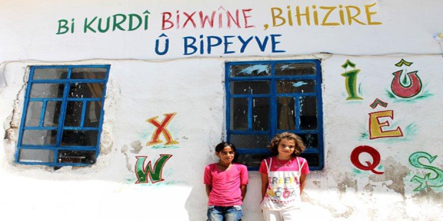 Suriye Eğitim Bakanı: Okulları Rojava Özerk Yönetimi'nden alacağız