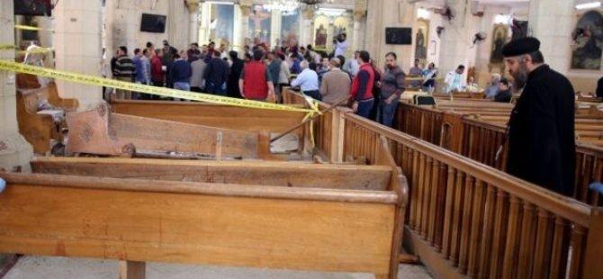 Mısır'da iki kiliseye saldırı