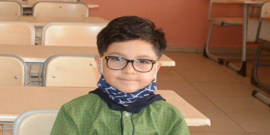 Hakkarili 8 yaşındaki Yusuf Eymen Dünya Matematik Şampiyonu oldu
