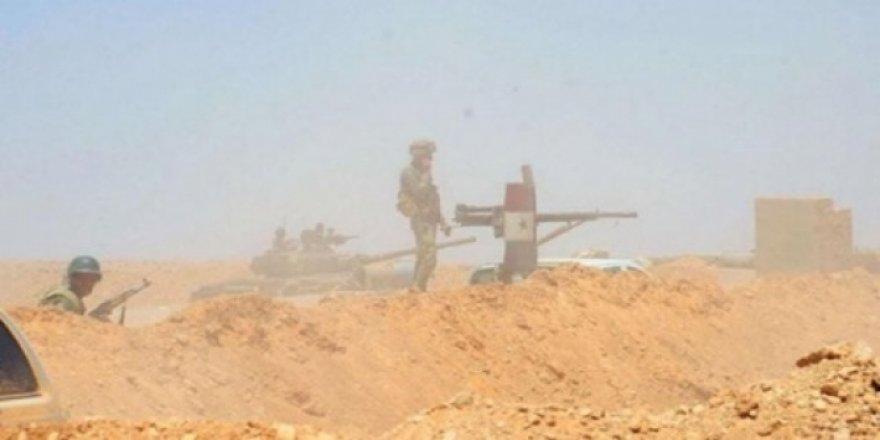 Suriye ordusu IŞİD'in çöl birliklerine operasyon başlattı -10 rejim askeri öldürüldü