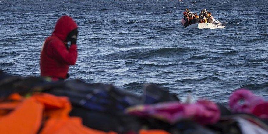 Libya açıklarında göçmen teknesi battı, 43 kişi öldü