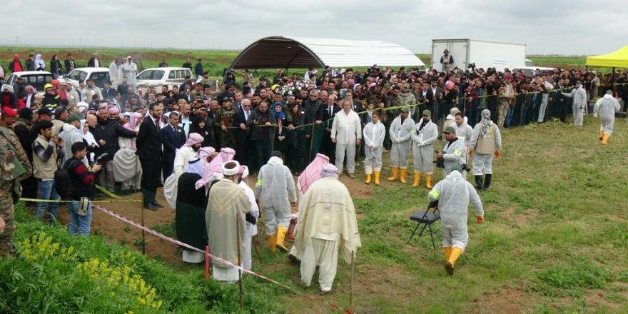 Toplu mezardan çıkarılan Ezidi Kürtlerin naaşı Şengal'e getirilecek!