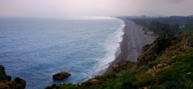 Antalya'da açık alanlarda içki içmek yasaklandı