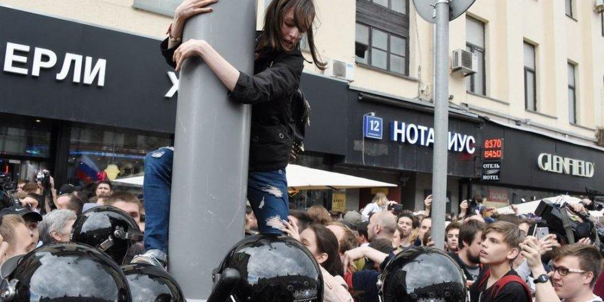 Rusya'da Navalny protestosu: Ülke çapında gösteriler başladı; çok sayıda gözaltı var