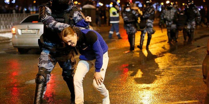 Rusya'da Navalny protestosunda 3 bin kişi gözaltına alındı
