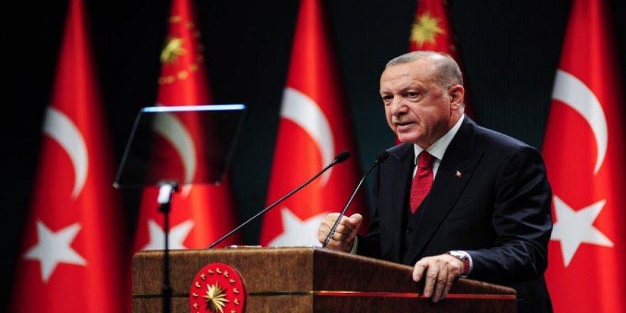 Erdoğan'dan öğrencilere: Siz talebe misiniz, rektörün odasını basmaya kalkışan terörist misiniz?