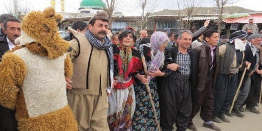 Doğu Kürdistan'da Kürt kültürünün geleneksel eğlencesi yaşatılıyor