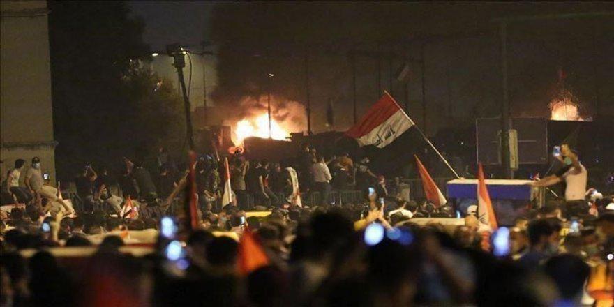 Irak | Valilik binası ateşe verildi: Ölü ve yaralılar var