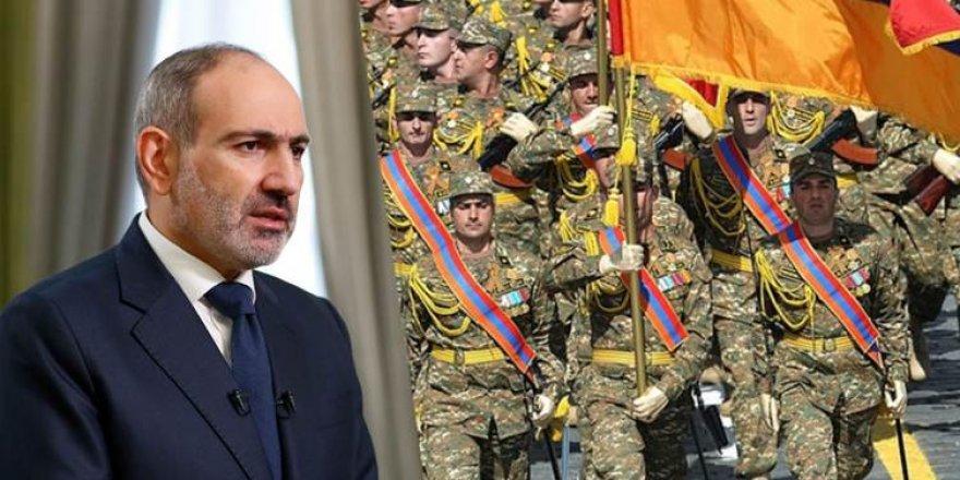 Ermenistan'da Genelkurmay'dan Başbakan'a istifa çağrısı