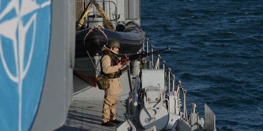 Rusya: NATO'ya ait 2 savaş gemisi Karadeniz'e girdi