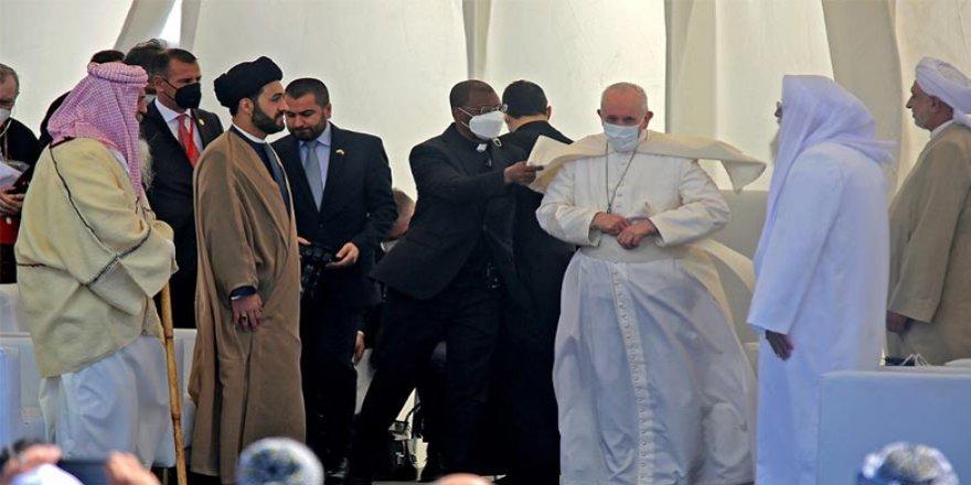 Papa Ur kentinden seslendi: Biz, İbrahim'in torunlarıyız, birbirimizi sevmeliyiz