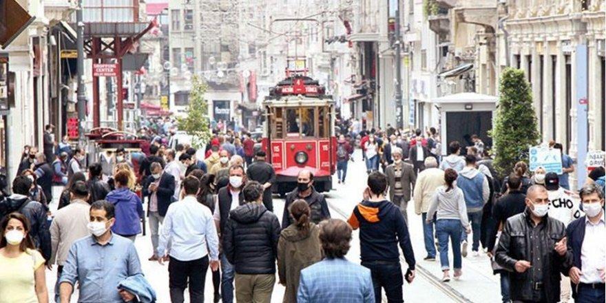 Türkiye'de günlük Covid-19 vaka sayısı 50 bine yaklaştı
