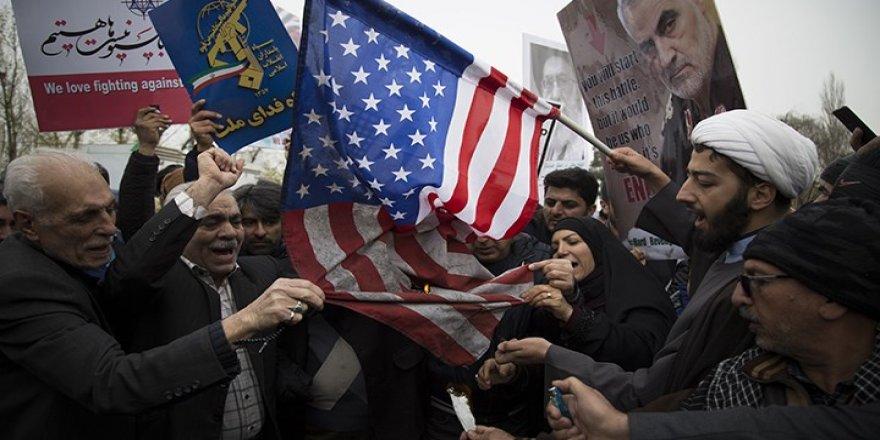 """""""Anlaşmaya Dönülemezse İsrail İran'ı Vurabilir"""""""