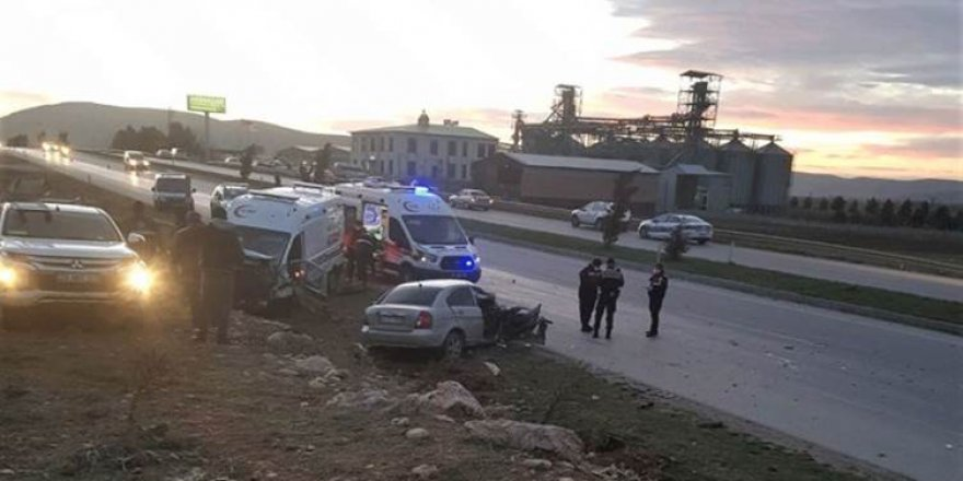 Maraş'ta ambulans ile otomobil çarpıştı: 3 ölü, 3 yaralı