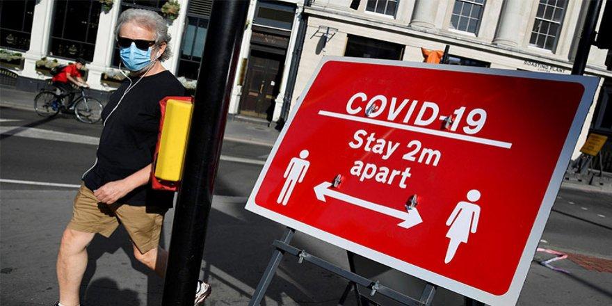İngiltere'de can kaybı 1'e düştü: Sosyal mesafe kaldırılabilir