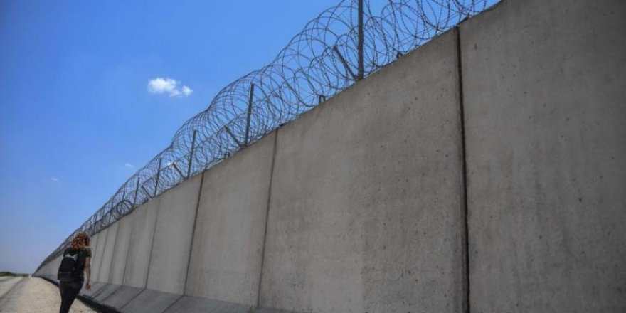 Güney sınırına yapılan güvenlik duvarı Suriyeli Kürtlere güzergah değiştirtti